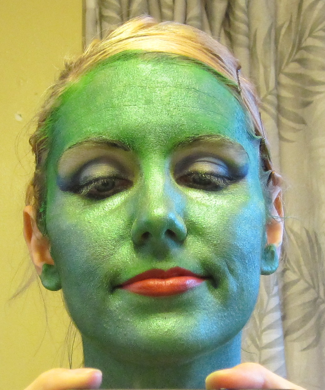 green alien makeup